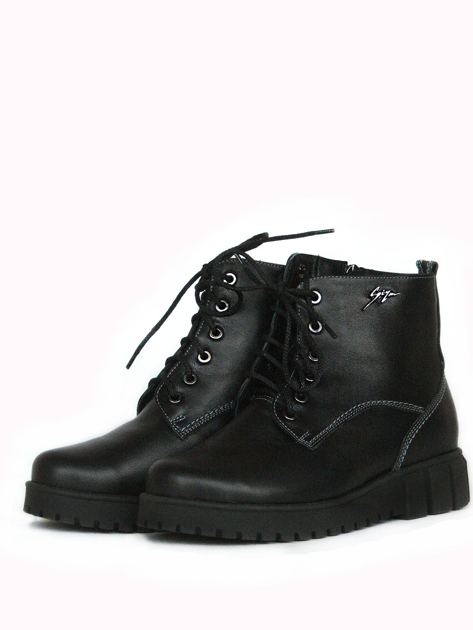 Стильные кожаные ботинки женские