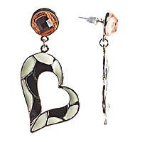 Серьги женские оптом, подвески в виде черно- белых сердец, витражный стиль, украшены камнями, пусеты