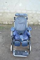 Инвалидная кресло-коляска для удобного перемещения человека в разных позициях, марки Inacare 34 см