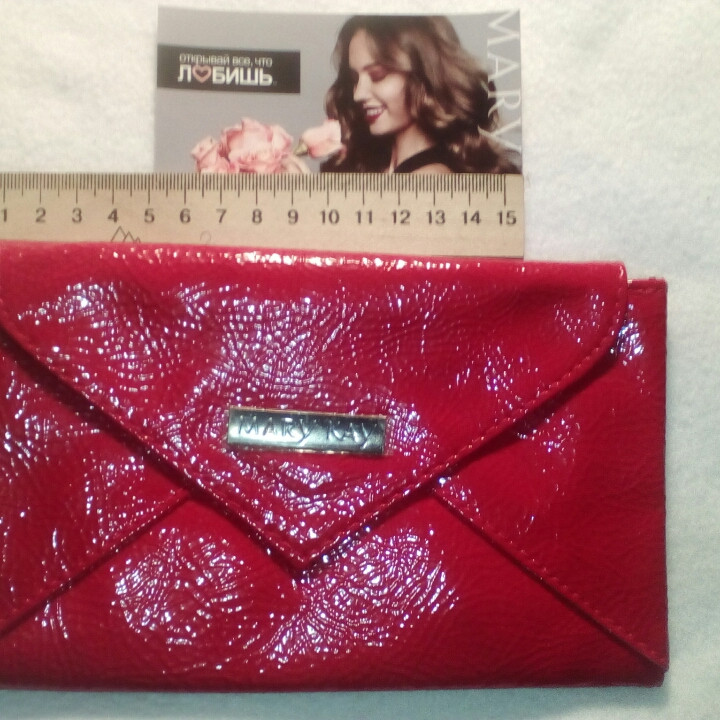 Красный клатч-кошелек