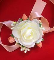 Бутоньерка-браслет для невесты, свидетельницы, гостей