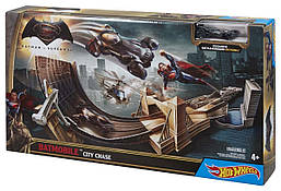 Трекс Hot Wheels Batman v Superman - Бэтмен против Супермена. Битва героев