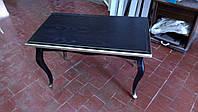 Чёрный журнальный стол из натурального дерева с патиной
