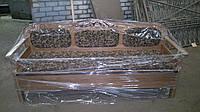 Кухонный диван из дерева с мягким сиденьем