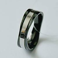 Стальное мужское кольцо черное с серебряной вставкой