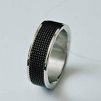 Стильное мужское кольцо с черной масажной вставкой