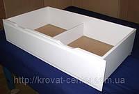 Белый ящик деревянный для игрушек (на колесиках). Массив - сосна, ольха.