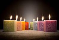 Свеча ароматическая лаванда 75х75х75мм. Фиолетовая 1 шт.