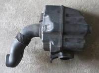 Резонатор воздушн фильтра VW Caddy III
