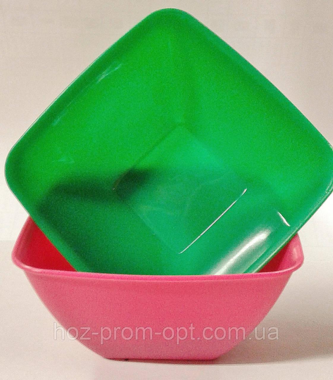 Салатник квадратный, 120*120*65, пластик.