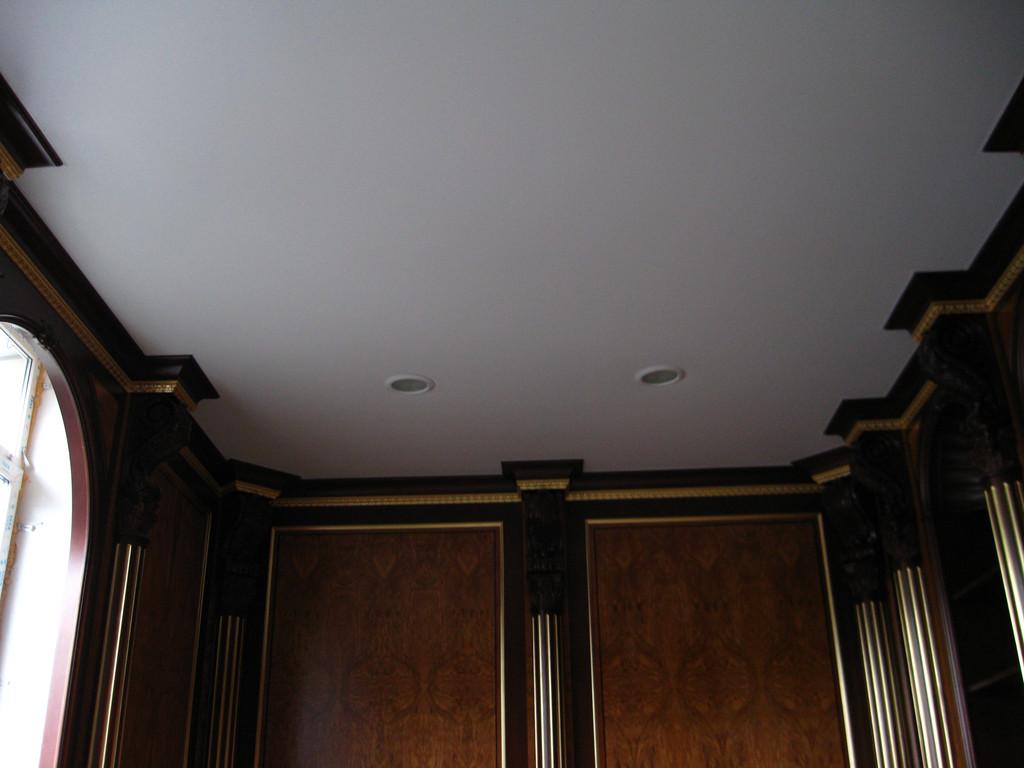 Натяжные потолки сатиновые.