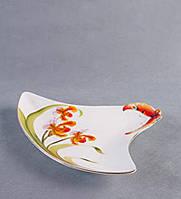 """Фарфоровая посуда тарелка треугольная сервировочная """"Орхидеи"""" купить подарки жещинам"""