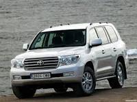 Лобовое стекло на Toyota Land Cruiser 200 c 2008 г.в.