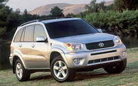 Лобовое стекло на Toyota Rav4 2000-06 г.в.