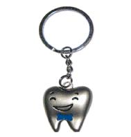 Брелок-зуб мальчик