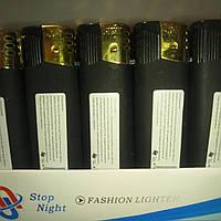 Зажигалка бархат черная пьезо с фонариком