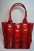 Красная стильная сумка из натуральной лаковой кожи и замши