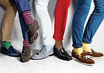 Яркие носки и консервативный мужской образ