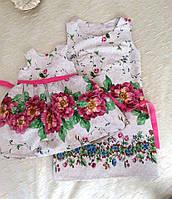 Платье без рукава с розовым цветочным принтом