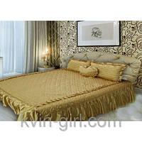 Покрывало 180 х 210 с подушками + подушка сердце (атлас) золото