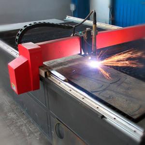 Плазмова різка металу на верстаті з ЧПУ