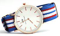 Часы DW7