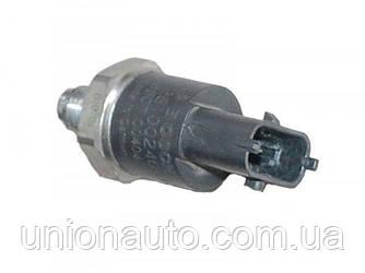 Датчик давления топлива в рейке 2.8JTD Renault Mascott 1999-2004