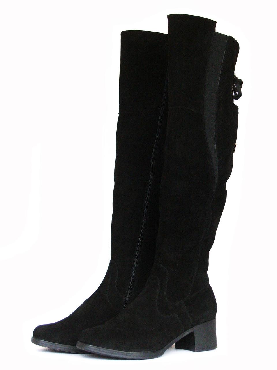 Замшевые ботфорты на каблуке