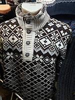 Мужской  свитер вязанный  под горло.