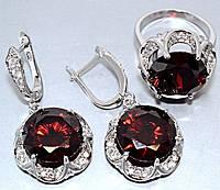 """Набор  """"серьги и кольцо"""",покрытие родием. Камень: белый и бордовый циркон. Высота серьги: 4 см Ширина: 20 мм"""