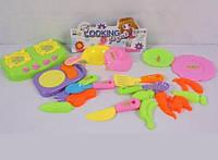 Игрушечные овощи и фрукты с посудой 129-701