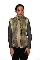 Женская жилетка с мехом из волка