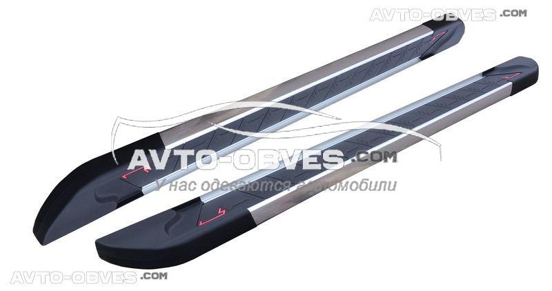 Защитные боковые подножки площадки Chevrolet Niva с окантовкой из нержавейки