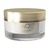 Дневной крем UniQ-Активизирует резервные возможности кожи после пробуждения, заряжая ее энергией на целый день