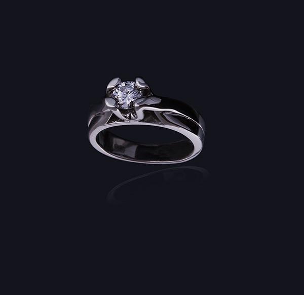Жіноче кільце з білого золота з діамантом С24Л1№4