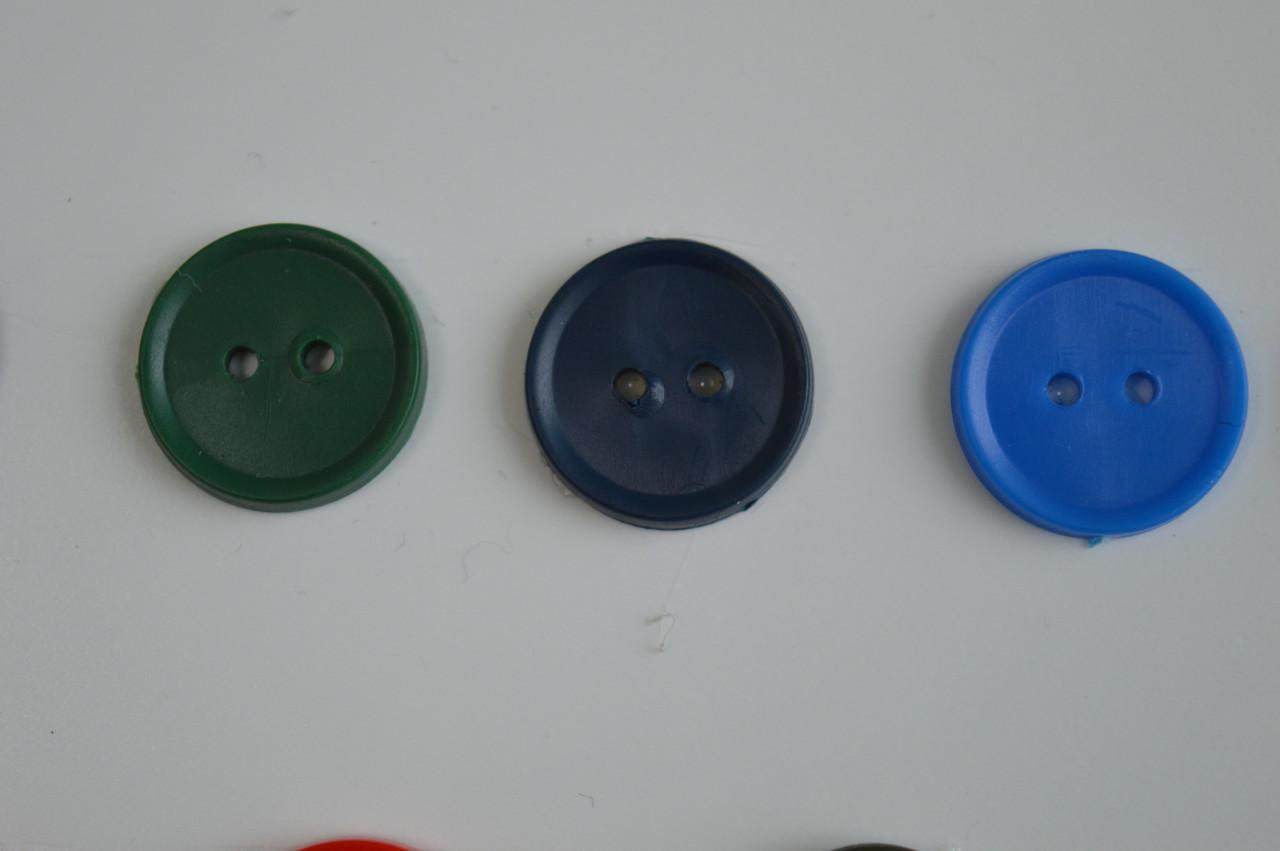 цвет синий пуговицы обычные цветные 2 ударные 17мм