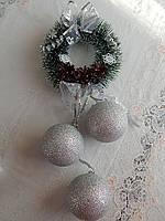 Рождественский веночек з шарами