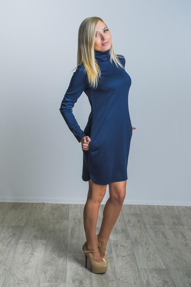 Женское трикотажное платье темно-синее