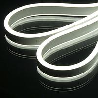 Кроме этого специальный состав из ПВХ позволяет легко конструировать надписи на фасадах и вывесках, формировать яркие буквы, фигуры и создавать нестандартные формы для вывесок и подсветки.
