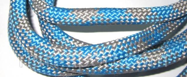 Скакалка для художественной гимнастики. Удачное сочетание голубого и серого цвета.  Стандартная длина 3 м. Диаметр 12 мм.