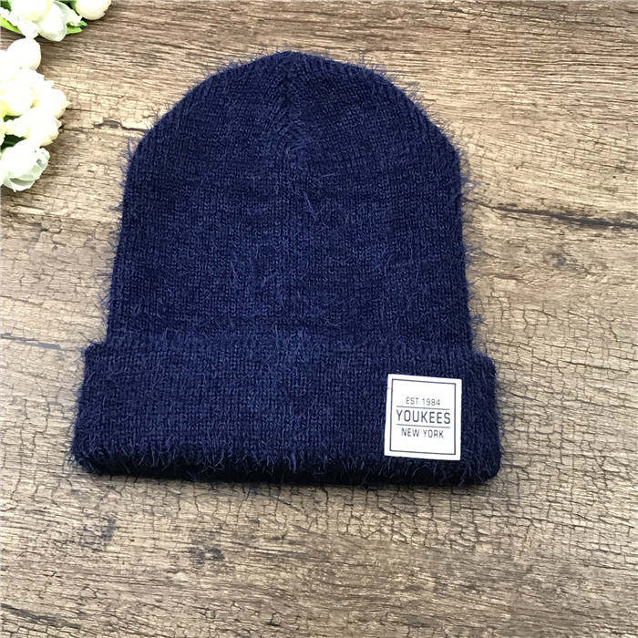 Женская вязаная шапка травка YouKees New York синяя