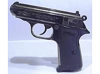 Пистолет - зажигалка, размер как у настоящего оружия.