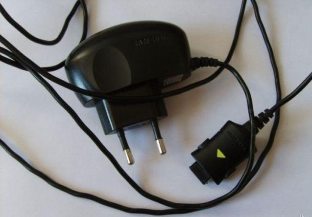 Сетевое зарядное устройство для Samsung SGH X100, x200, x300, e700