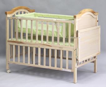 Детская кроватка Geoby LMY632-H453 на колесиках