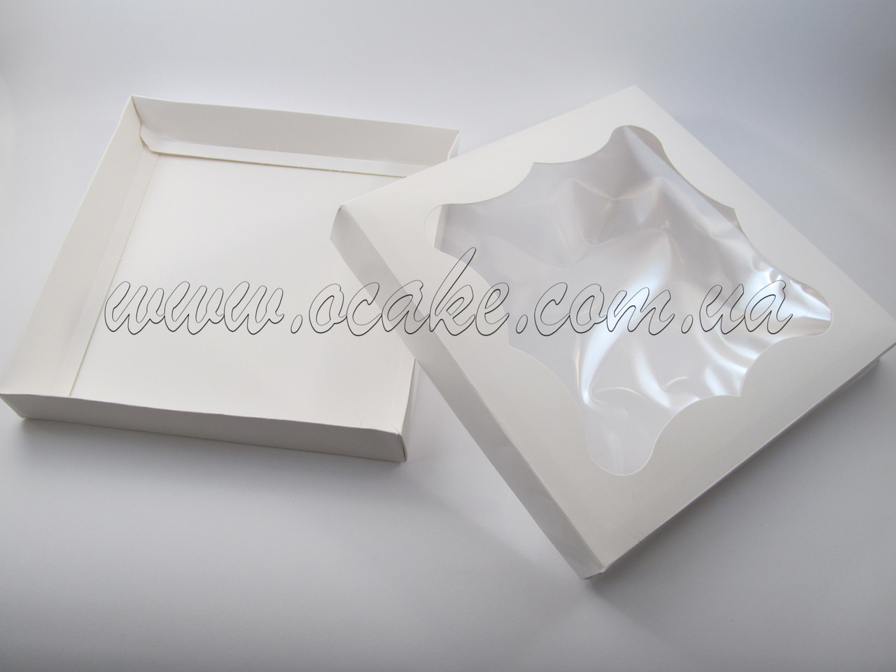 Коробка с окном 200*200*30