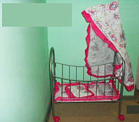 Кроватка с балдахином на колесиках