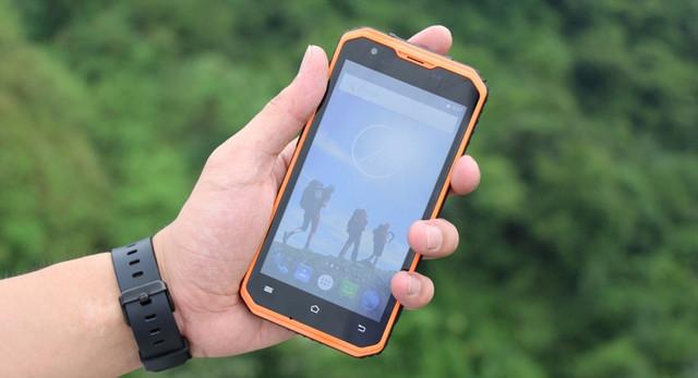Поповнення в рядах захищених смартфонів. Новинка - Vphone M3.