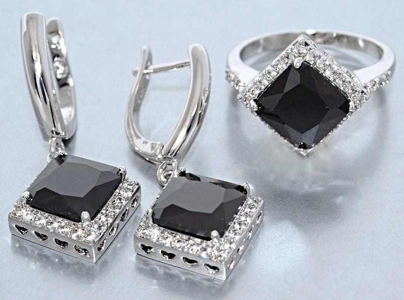 """Набор  """"серьги и кольцо"""",покрытие родием. Камень:белый и чёрный циркон. Высота серьги: 3,5 см Ширина: 15 мм"""