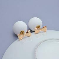 Белые серьги шарики диор  матовые с бантиком