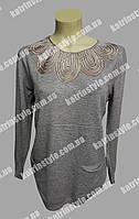 Кофта женская с кружевным украшением